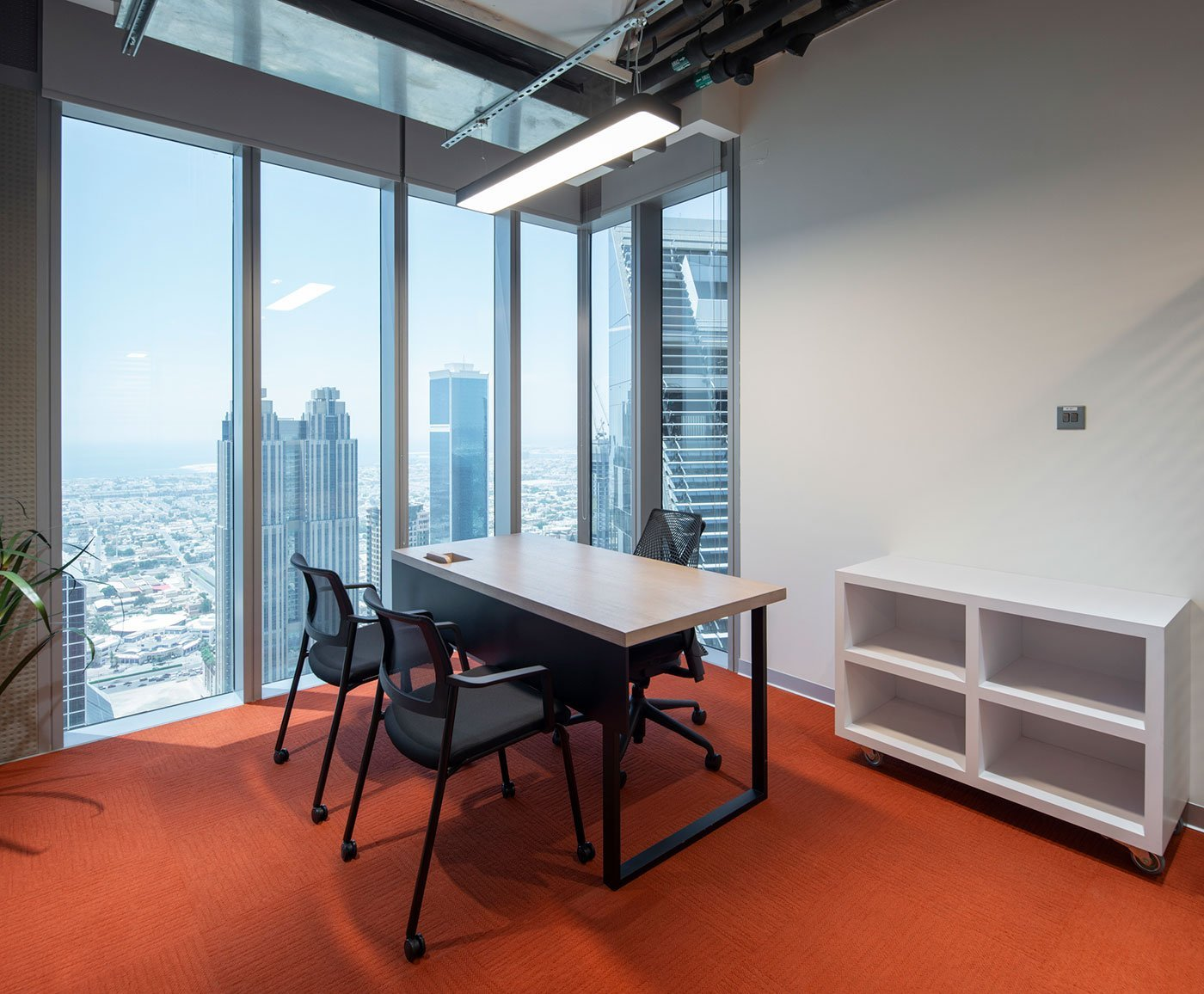 workstation at an office in central park towers dubai